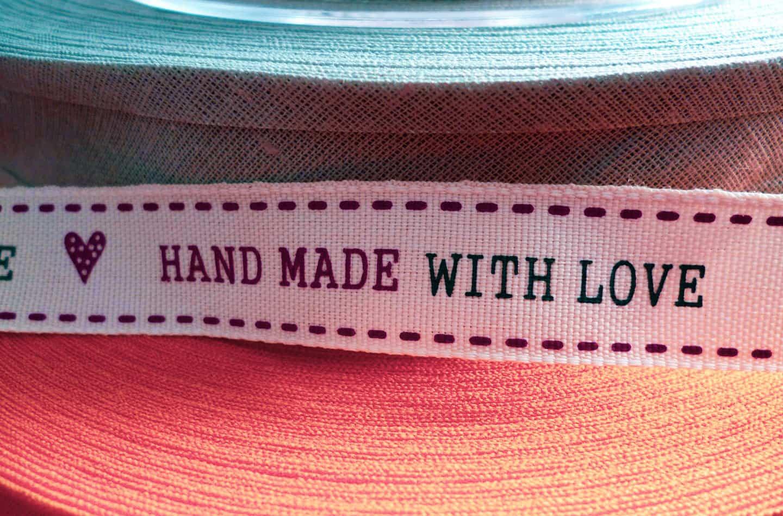 tasiemka handmade with love dobry sposob na to jak jak sprzedawać rękodzieło